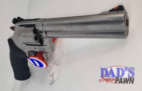 Smith & Wesson Model 686 Deluxe Revolver